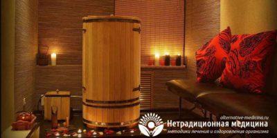 Миниатюра к статье Целебный эффект русской бани в кедровой бочке — плюсы и минусы процедуры