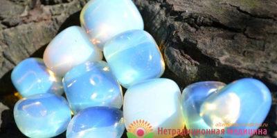 Миниатюра к статье Лунный камень —  магические и полезные свойства минерала