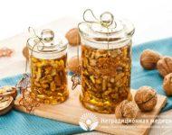 Миниатюра к статье Грецкие орехи с мёдом - полезные свойства и рецепты приготовления