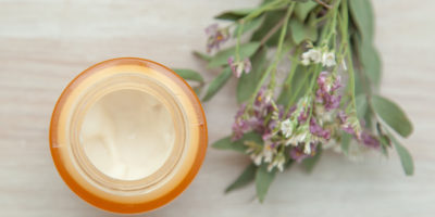 Миниатюра к статье Домашняя мазь от укусов, ушибов, порезов с противовоспалительным эффектом