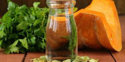 Миниатюра к статье Масло из семян тыквы – полезные свойства и рецепты эффективного применения