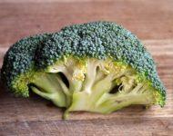 Миниатюра к статье Чем полезна капуста брокколи для здоровья человека  - секреты приготовления