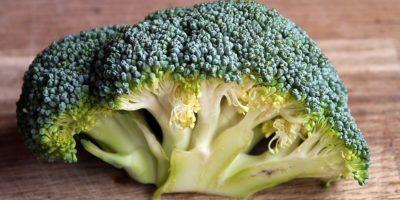 Миниатюра к статье Чем полезна капуста брокколи для здоровья человека  – секреты приготовления