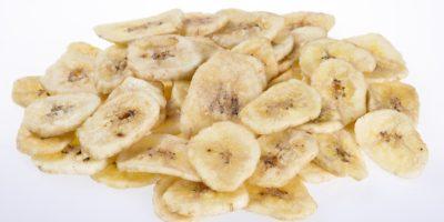 Миниатюра к статье Сушеные бананы – полезные свойства и рецепт приготовления