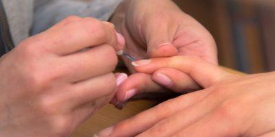 Миниатюра к статье Почему слоятся и ломаются ногти – рецепты и секреты правильного ухода
