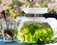 Миниатюра к статье Мятный чай - секреты применения и приготовления ароматного напитка