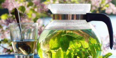 Миниатюра к статье Мятный чай – секреты применения и приготовления ароматного напитка