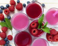 Миниатюра к статье Малиновый сок - полезные свойства  и способы применения сладкого напитка
