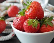 Миниатюра к статье Клубника - полезные свойства ароматной ягоды для нашего здоровья